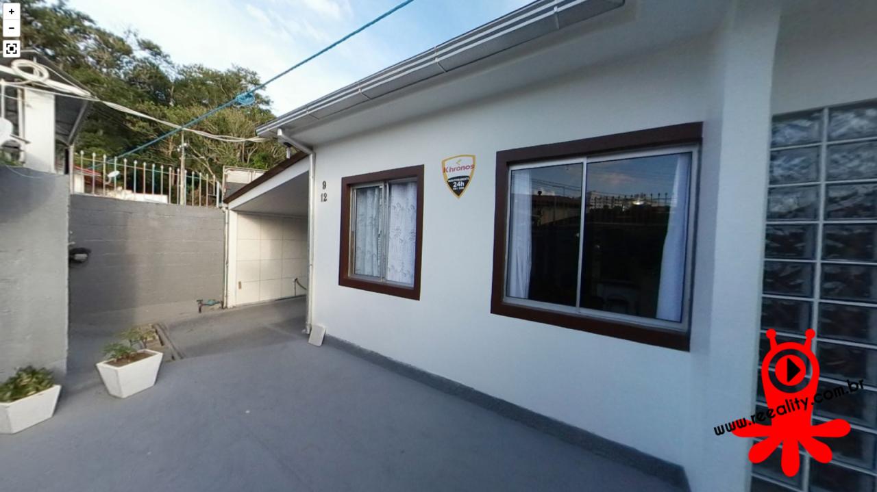 Casa De 2 Dormitórios Bairro Ipiranga, São José Sc
