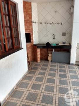 Casa em Uvaranas