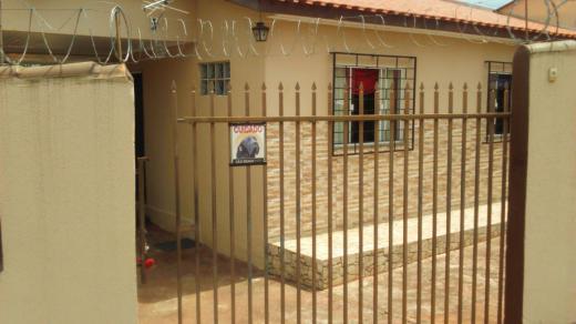 Casa Jardim Giana