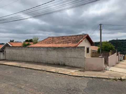 Casa De Esquina No Santa Paula