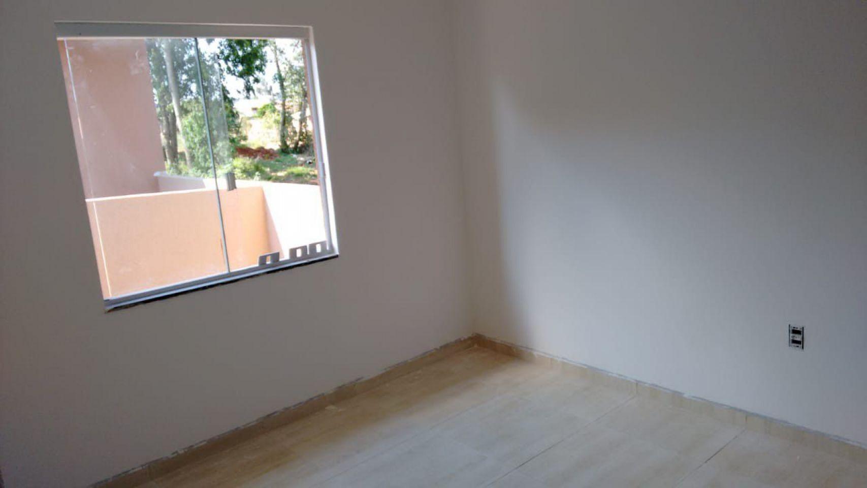 Casa à Venda Em Uvaranas- Centenário