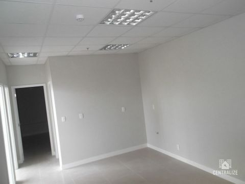 <strong>Sala comercial à venda em Estrela</strong>
