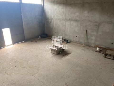 Barracão Para Alugar Em Santa Paula