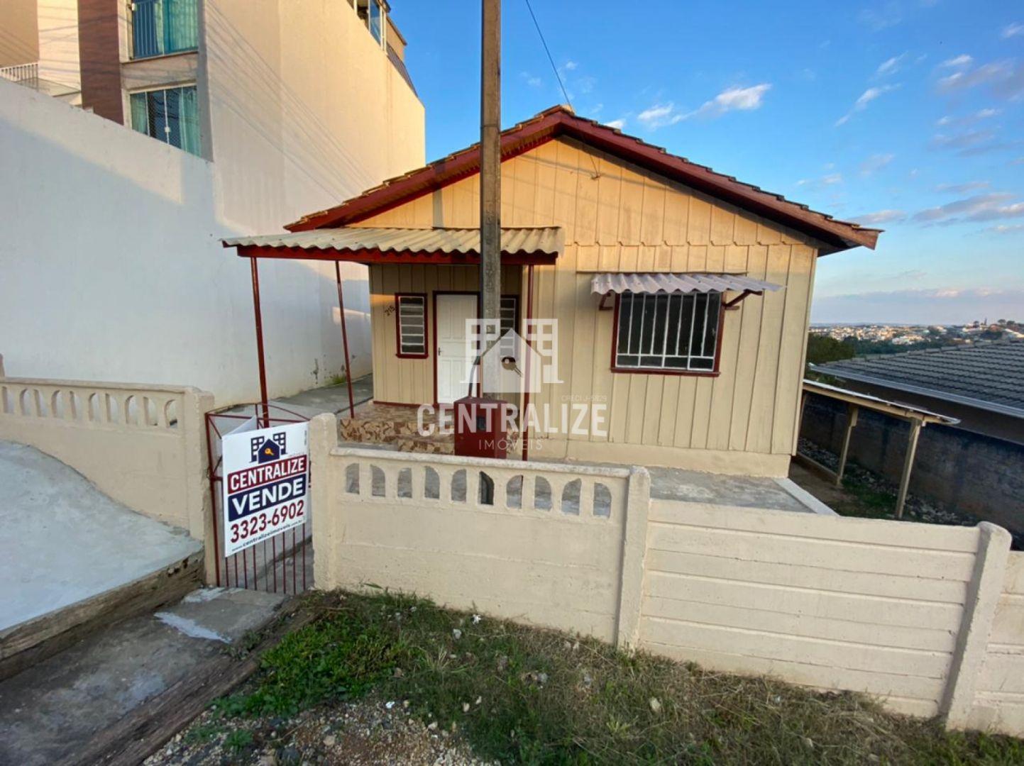 <strong>Casa para venda em Uvaranas.</strong>