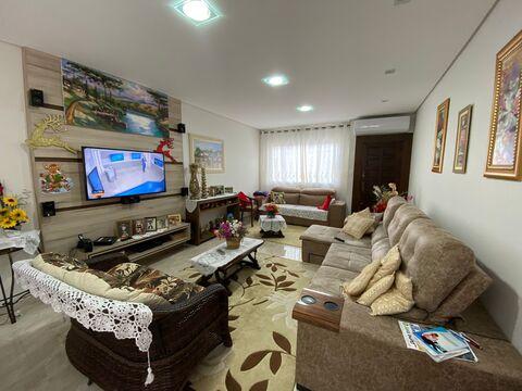 <strong>Casa para venda em Vila Estrela.</strong>