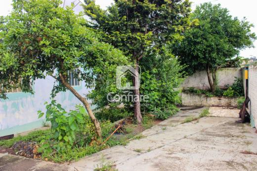 <strong>Casa de esquina com 2 quartos na Col. Dona Luíza</strong>