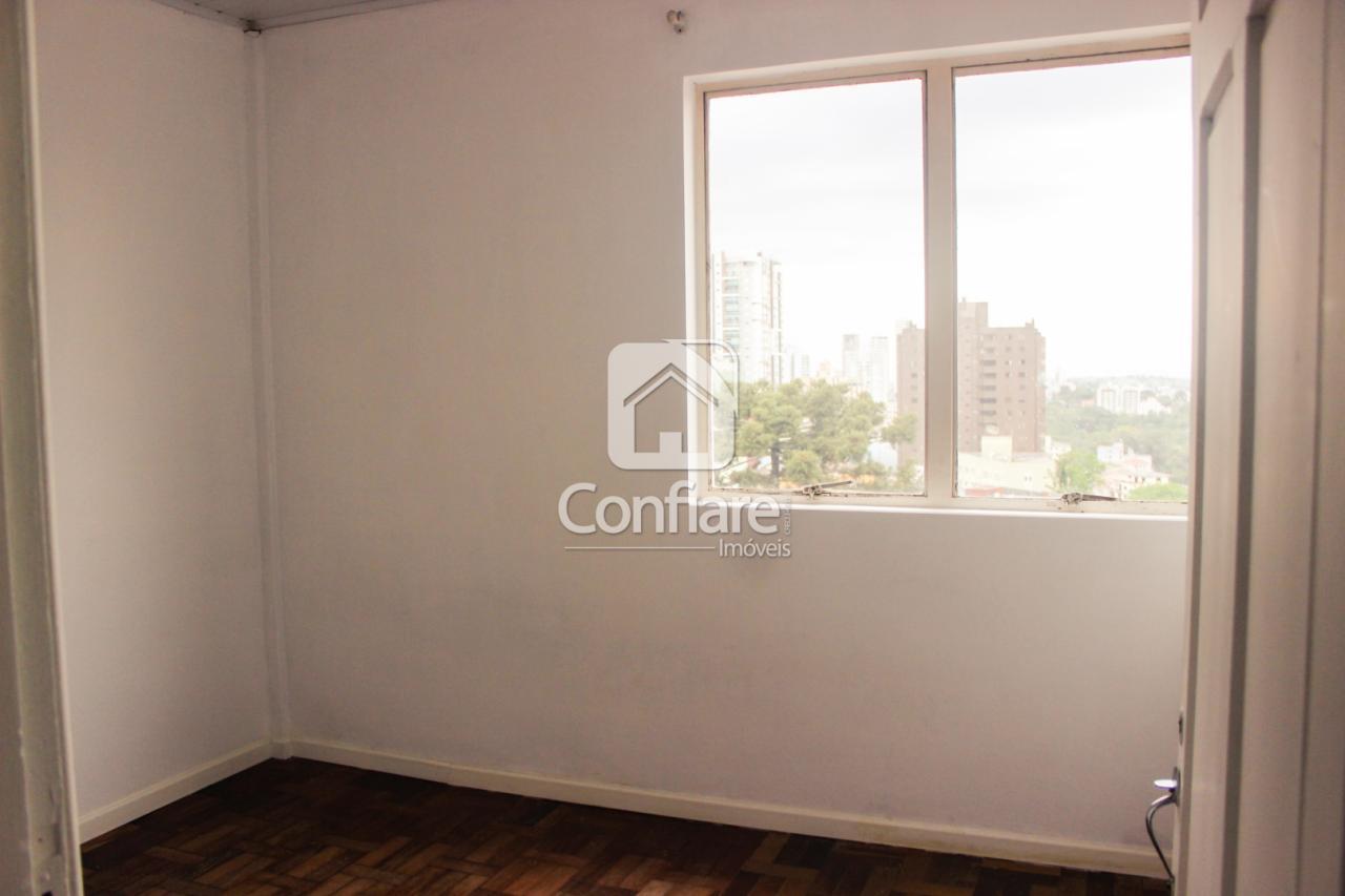 Apartamento No Ed. Indáia Com 3 Quartos