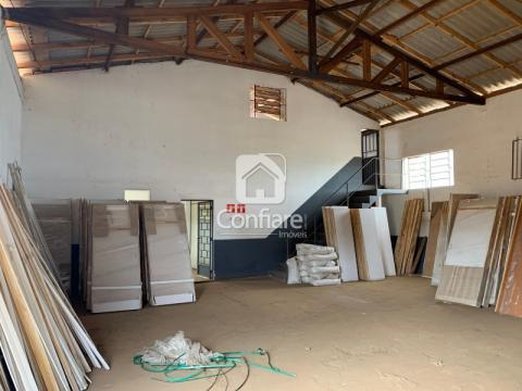 Barracão Em Oficinas Com 2000m2, Sendo 500m2 De área Coberta