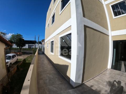 Apartamentos 2q Pq Auto Estrada