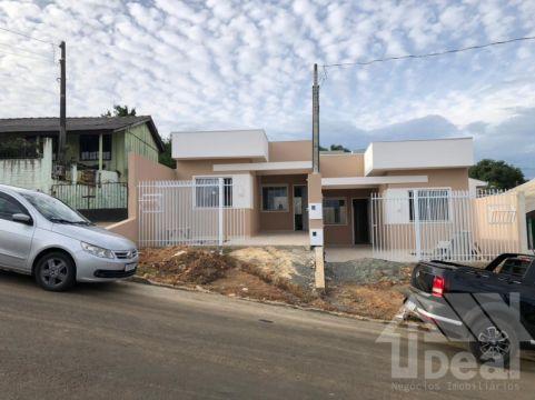 Casa 2q Monte Belo