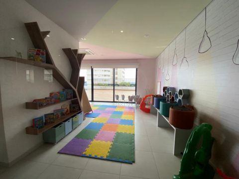 <strong>Apartamento Padrão</strong><small>(4 dormitórios sendo 3 suítes)</small>