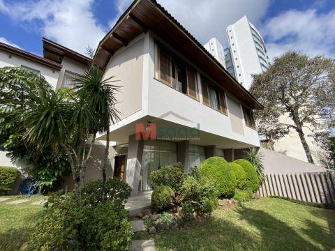 <strong>Casa Comercial</strong><small>(3 dormitórios)</small>