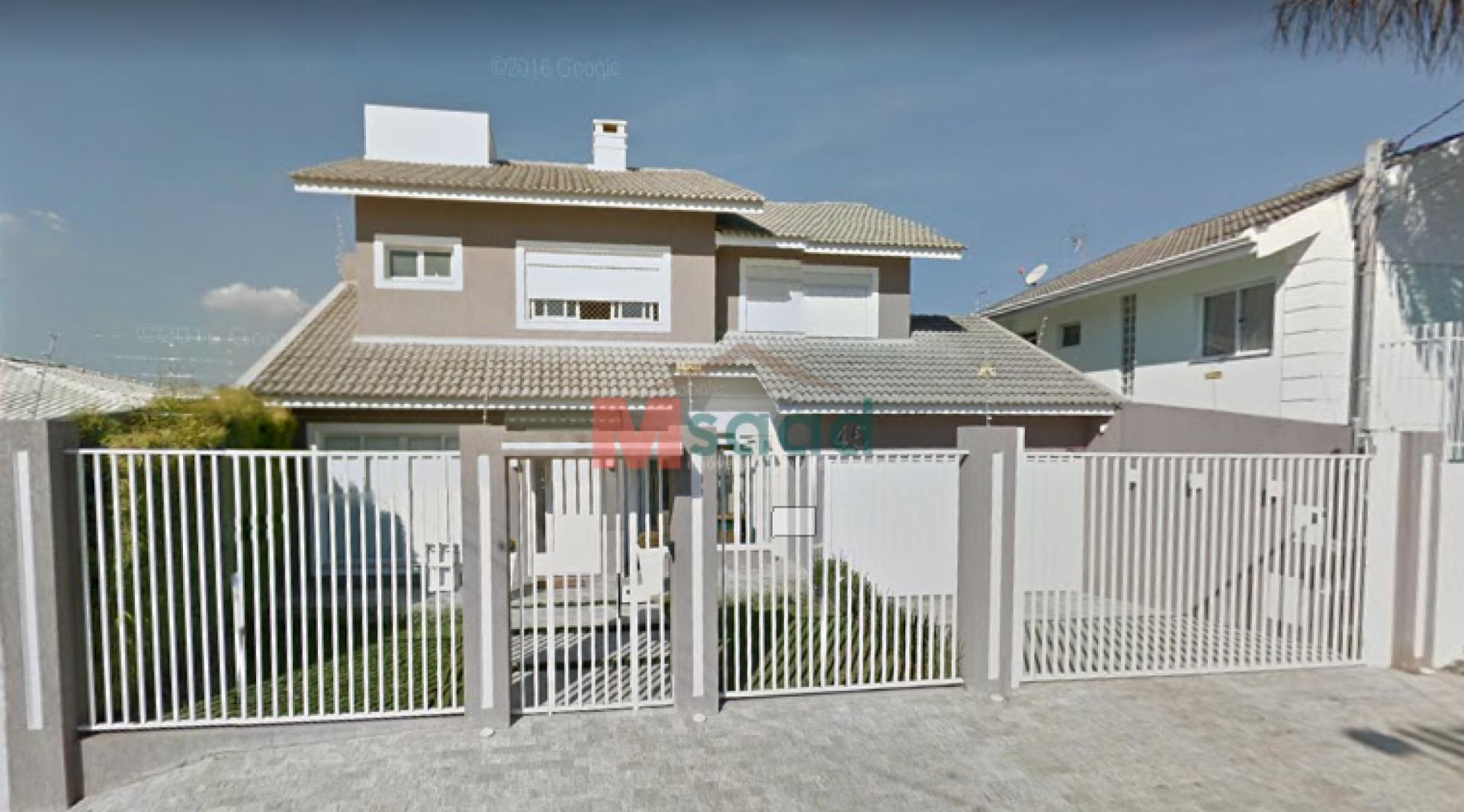 <strong>Casa em Condomínio</strong><small>(3 dormitórios sendo 1 suíte)</small>