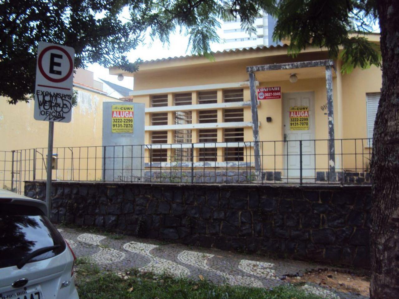 <strong>Casa apropriada para CLINICA </strong>