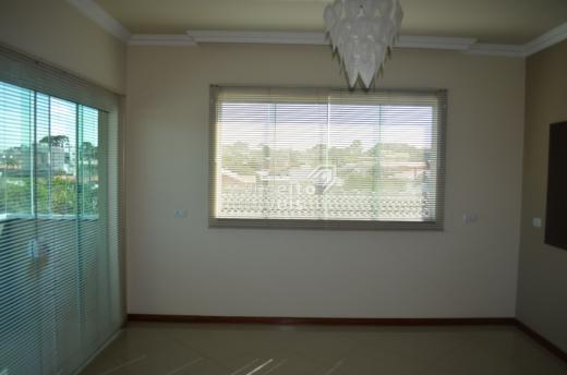 Prédio Comercial/residencial - Bairro Uvaranas