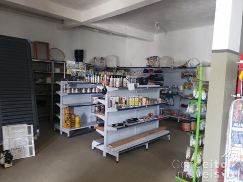 Loja Comercial Com Apartamento Residencial
