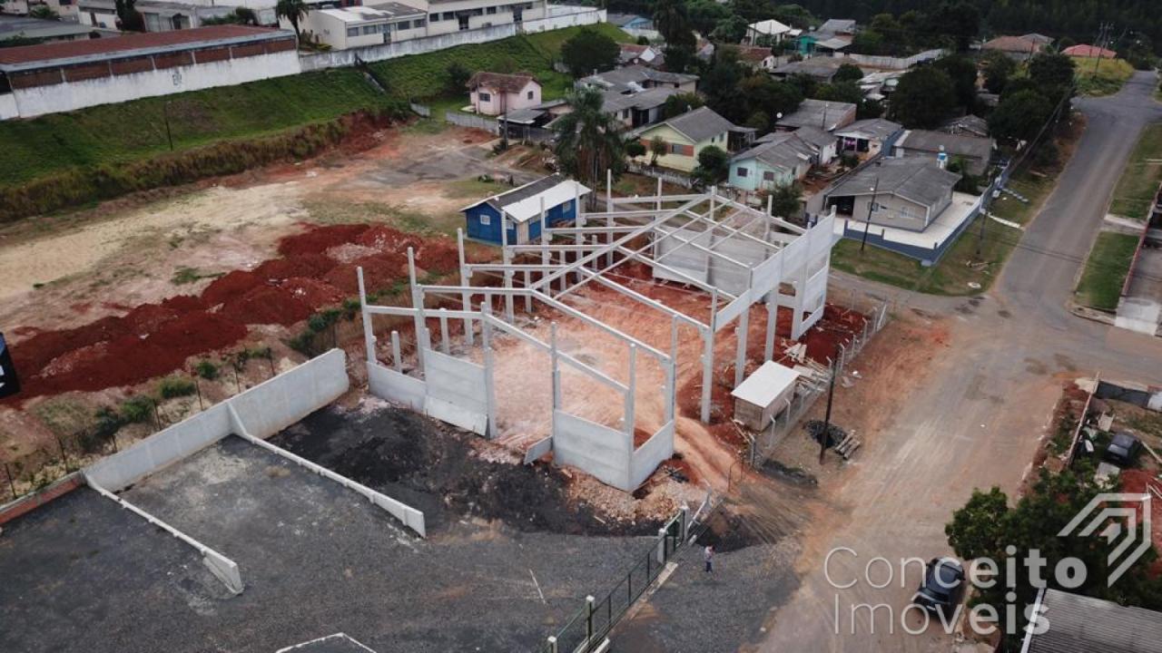 <strong>Barracão com frente para a Rodovia 376</strong>