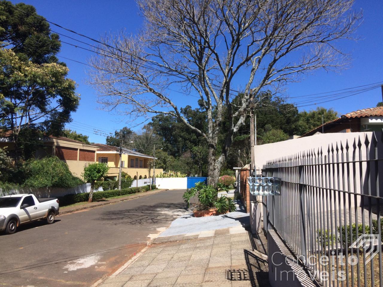<strong>Residência com amplo Terreno - Bairro Jardim América</strong>