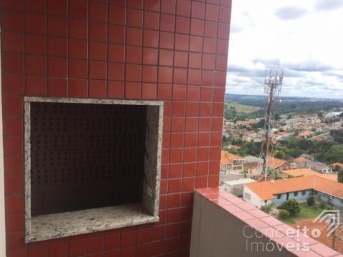 <strong>Apartamento com Sacada e Churrasqueira</strong>