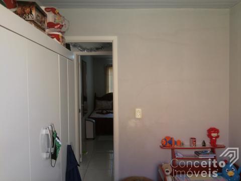 Residência Em Condomínio No Bairro De Uvaranas
