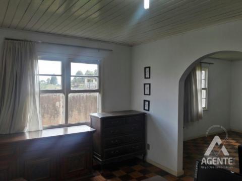 Casa Com 03 Dormitórios - Uvaranas