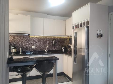 Apartamento Em Uvaranas - Residencial Campo Alegre Uca