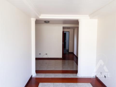 Apartamento Conj. Hab. Monteiro Lobato - Jardim Carvalho